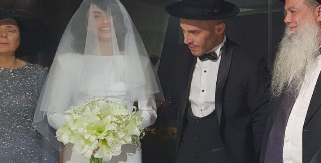 נתן גושן התחתן: מהיכן שמלת הכלה הצנועה