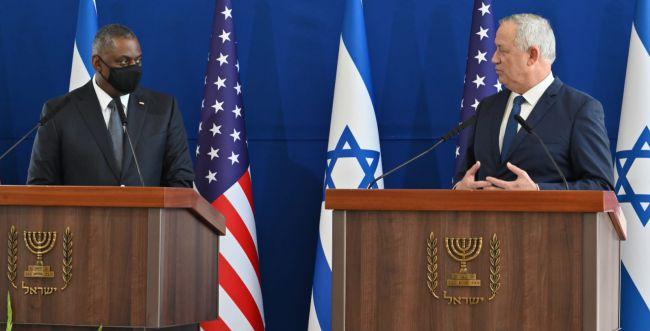 """שר הביטחון גנץ: """"נמשיך לעבוד יחד עם ארה""""ב על ההסכם"""""""