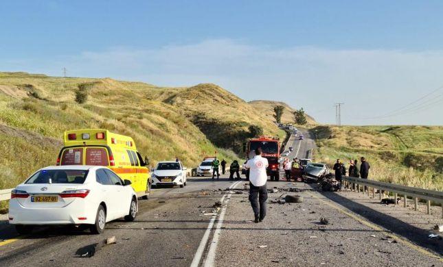 הרוג ופצוע בתאונת דרכים קשה בכביש 90