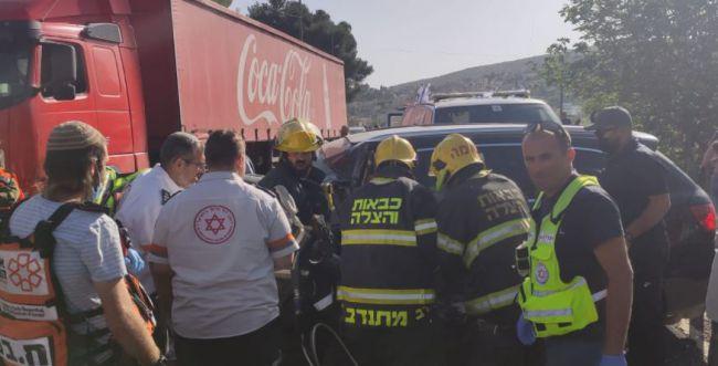 תאונה קשה בשומרון בין רכב פרטי לאוטובוס ממוגן