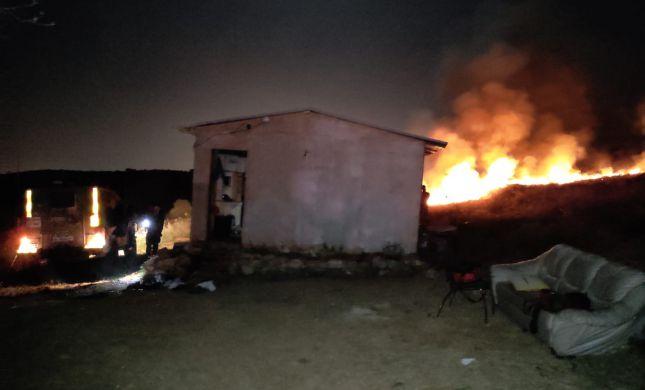 מחבלים ניסו לשרוף בית על יושביו; שניים נפצעו