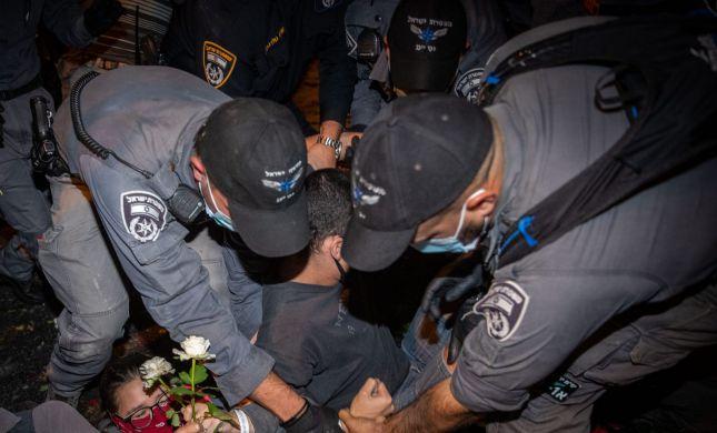קולות מלחמה ביפו: ערבים ירו זיקוקים על השוטרים