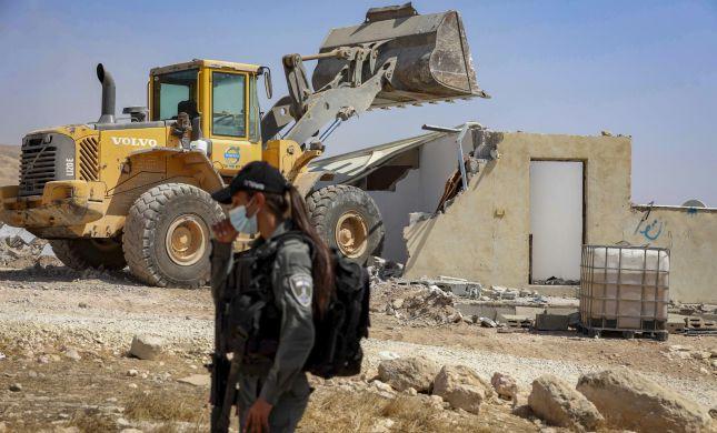 המינהל האזרחי הרס בית במאחז - וישלם פיצויים