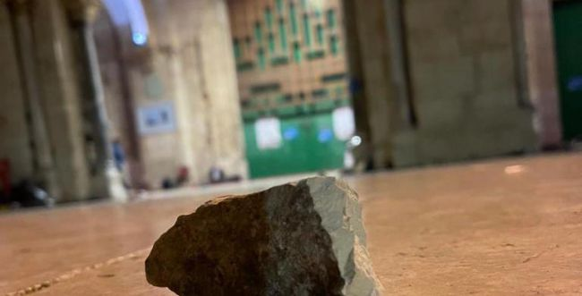 הערבים חידשו את המהומות: שוטר נפגע בפניו מאבן
