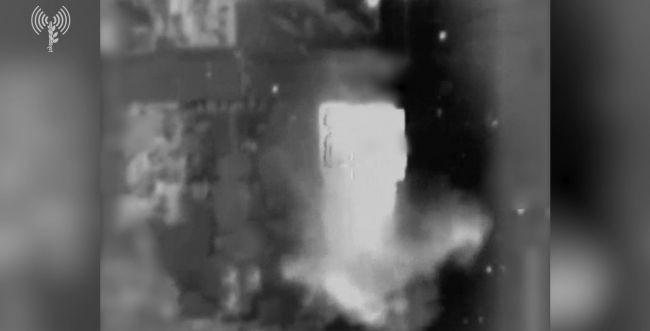 """צה""""ל תקף בית של בכיר חמאס ששימש כמחסן נשק"""