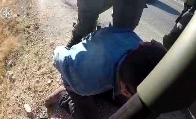 צפו: כך נעצר הערבי שהשפיל שוטרים בהר הבית