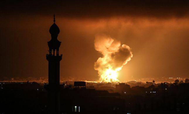 """בתגובה לשריפות: צה""""ל תקף מטרות חמאס בעזה"""