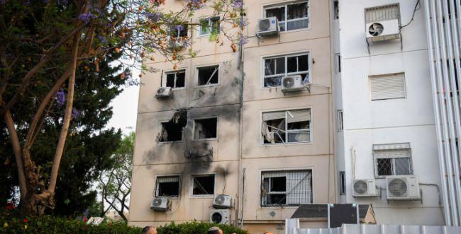 מטחים כבדים לאשקלון: 10 פצועים, 2 בתים נפגעו