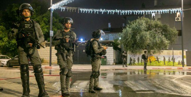 בצפון: שריפת משרדי רווחה ואבנים על תחנת משטרה