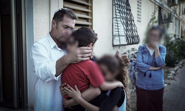 """מצילים נשים וילדים מסבל בכפרים ערביים וזוכים בס""""ת משלכם"""