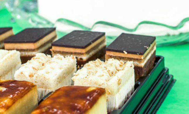 קינוחים חגיגיים של גבינות ושוקולד