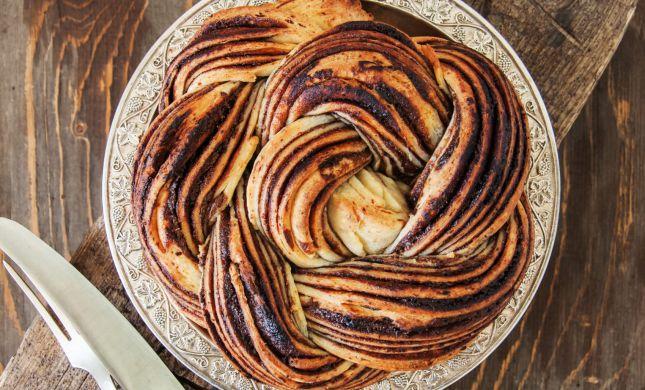 מיוחד לשבת: עוגת שמרים פיסטוק-שוקולד ממכרת