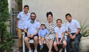 חדשות המגזר, חדשות קורה עכשיו במגזר, מבזקים פצוע הלינץ' בעכו - בתמונה משפחתית ראשונה