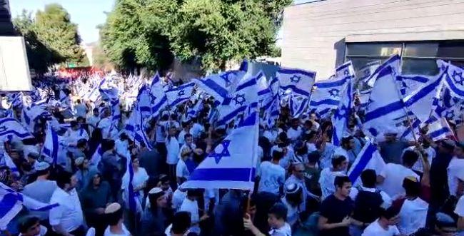 מצעד הדגלים שהפך למצעד הבושה