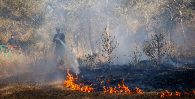עוטף עזה בוער: לפחות חמש שריפות מהבוקר
