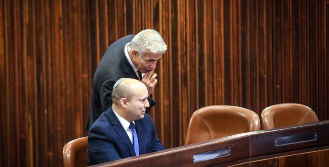 עוד כאב ראש לבנט: סגן שר מאיים להצביע נגד התקציב