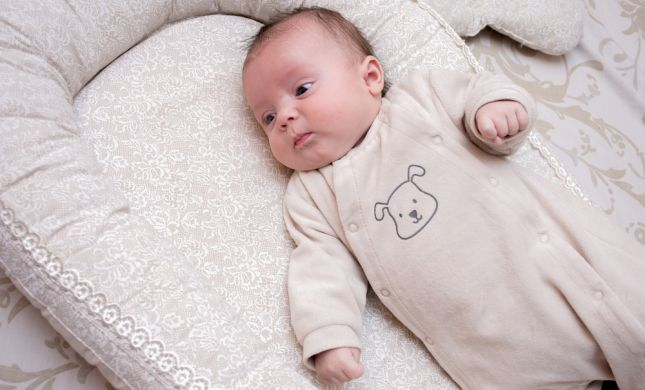 עזרו עכשיו לתינוקת: מי יקרא לה שם בבית הכנסת?