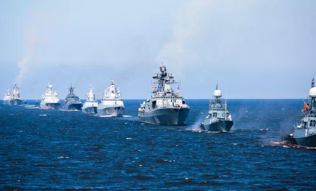 דרמה בים: ספינה רוסית ירתה לעבר כלי שיט בריטי