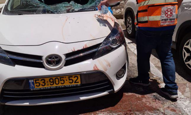 ירושלים: בן 15 נפל מגג על רכב חונה; מצבו בינוני