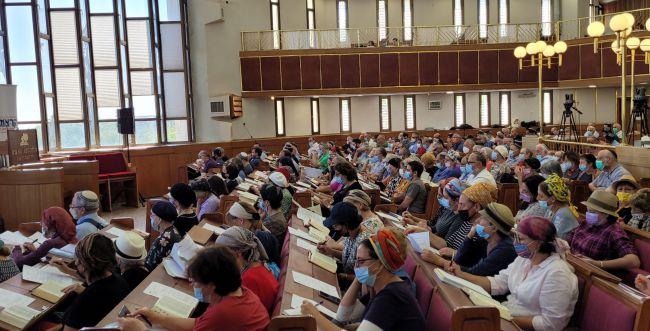 """מסורת של 30 שנה בהרצוג: החלו ימי העיון בתנ""""ך"""