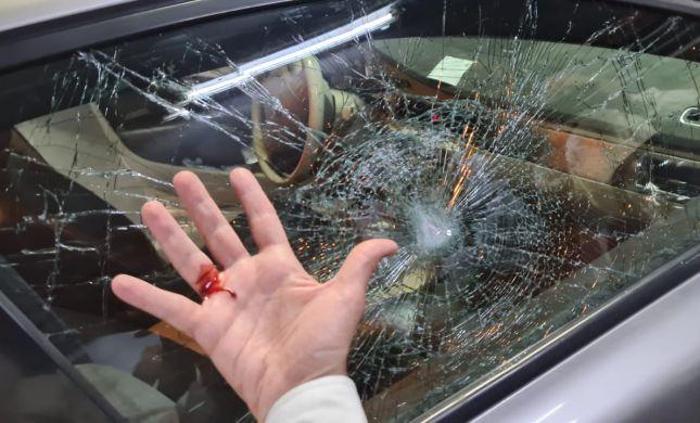 הרב אליהו נרגם באבנים: ניצלתי בזכות הרכב של אבא