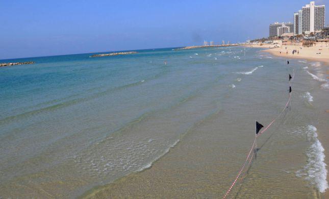"""אירוע שני ביממה: גבר טבע למוות בחוף בוגרשוב בת""""א"""