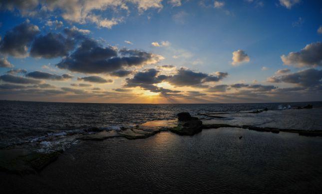 גופת גבר נמצאה בים סמוך לשובר גלים
