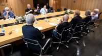 """חדשות, חדשות פוליטי מדיני, מבזקים גנץ: ועדה לחקירת הצוללות- """"כלי חיוני לביטחון ישראל"""""""