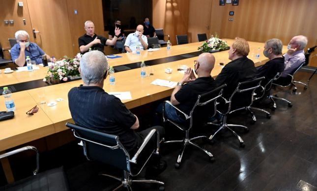 """גנץ: ועדה לחקירת הצוללות- """"כלי חיוני לביטחון ישראל"""""""