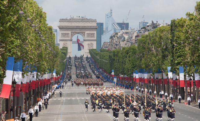צרפת: חגיגות הבסטיליה על רקע הגבלות הקורונה