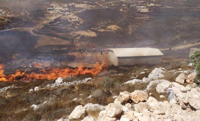 שריפת ענק: תושבי קומי אורי מתפנים מבתיהם