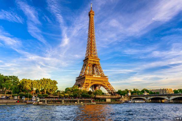 מסי בפריז: מה מחכה לכדורגלן בעיר האורות?
