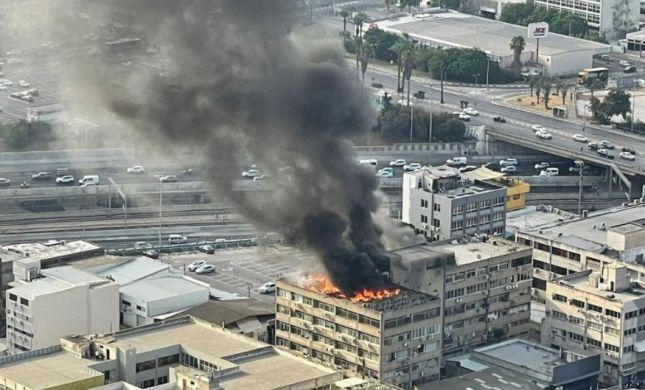 """שריפה בדרום ת""""א: ענן שחור גדול מעל שמי העיר"""