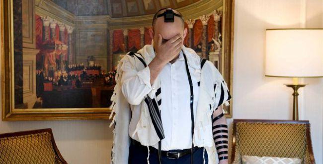 הרב עופרן: התמונה של בנט מתפלל - כמו תמונת עירום