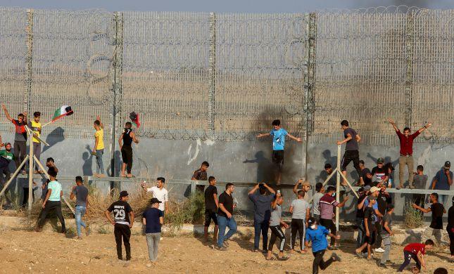 """עשרה פלסטינים נפצעו בעימותים עם כוחות צה""""ל"""