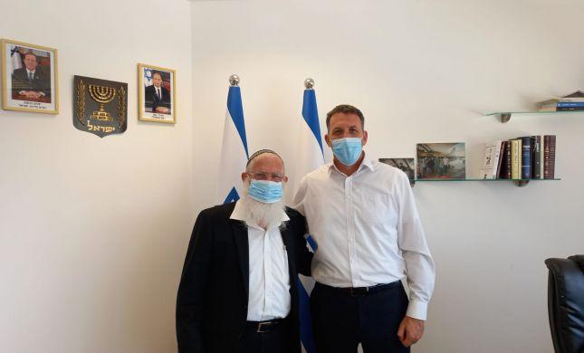 למרות התנגדויות הרבנים - הרב לבנון נפגש עם כהנא