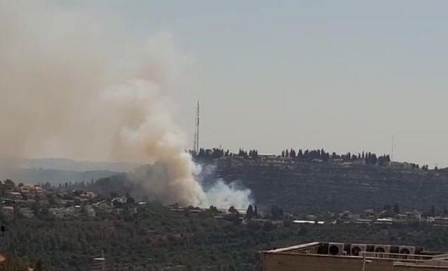 לאחר שבוע: שריפה מתלקחת בגבעת יערים