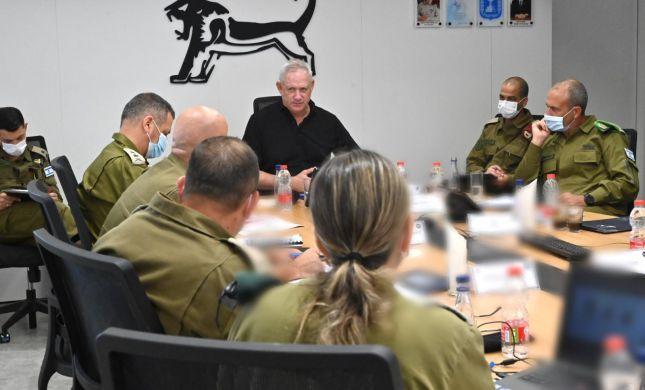 גנץ: נמשיך עם ההקלות וההטבות לפלסטינים