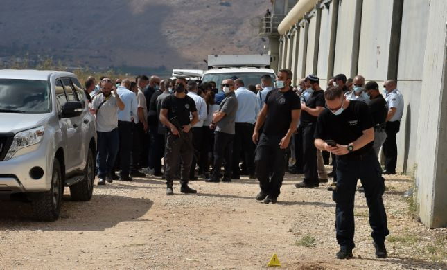 המצוד נמשך: נעצרו קרובי משפחה של שני המחבלים