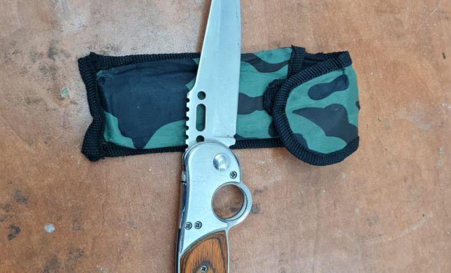 פלסטיני נעצר עם סכין בכניסה למערת המכפלה