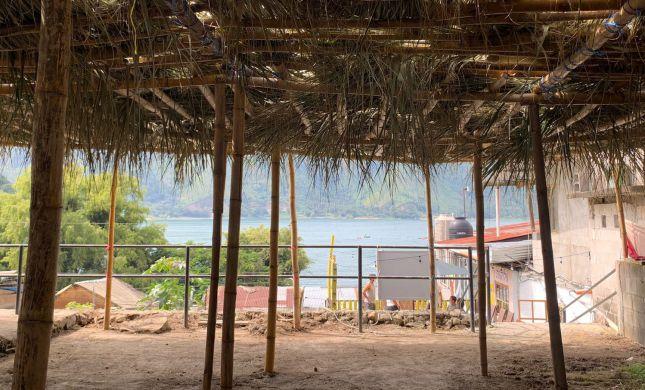 סוכות בגואטמלה: איך מבריחים בגבול 4 המינים?