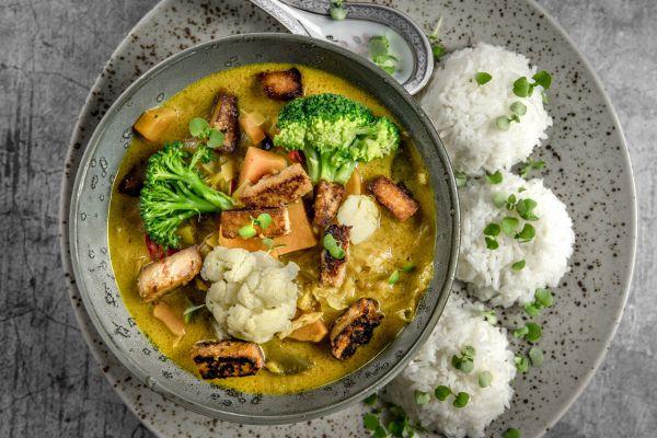 טעים ובריא: תבשיל ירקות בקארי ירוק