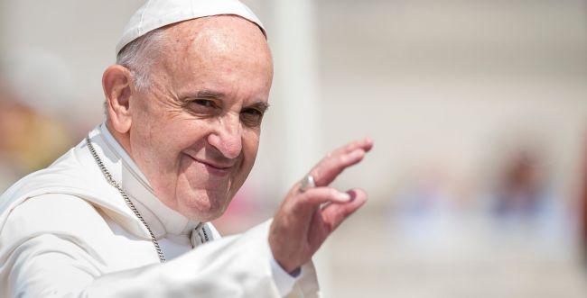 """האפיפיור: """"אסור לאש האנטישמיות לבעור"""""""