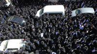 חדשות חרדים ירושלים חסומה: אלפים מלווים את הרב ארלנגר