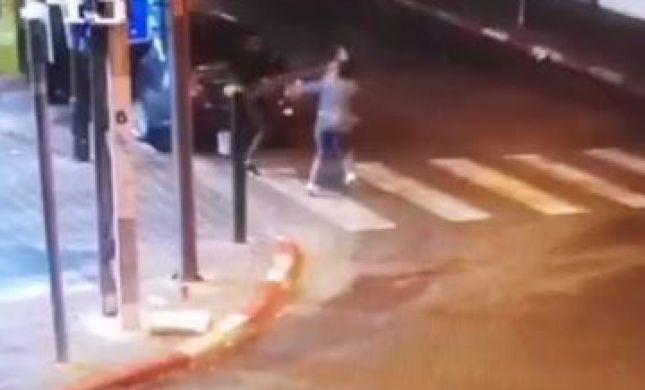 מזעזע: צעיר תקף באלימות נערה שסרבה לחיזוריו   צפו: