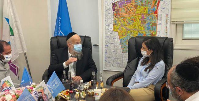 ביקור שקד בבני ברק: הליכוד תוקף את ראש העיר