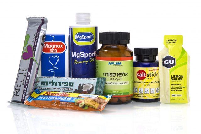 מגוון מוצרים בתחנת הבריאות BETTER Me | צילום: אסף אמברם