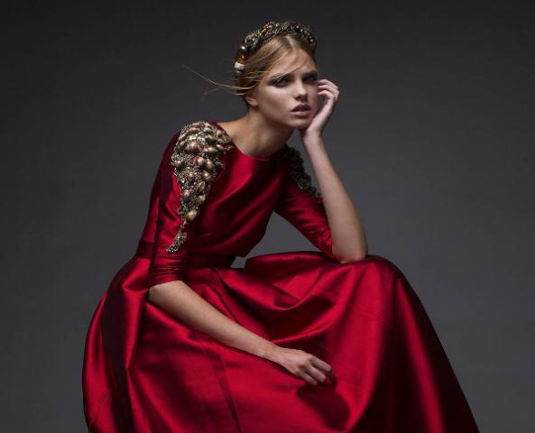 הקולקציה של חנה מירלוס  תככב לראשונה בשבוע האופנה של ישראל (צילום מסך מתוך אינסטגרם)