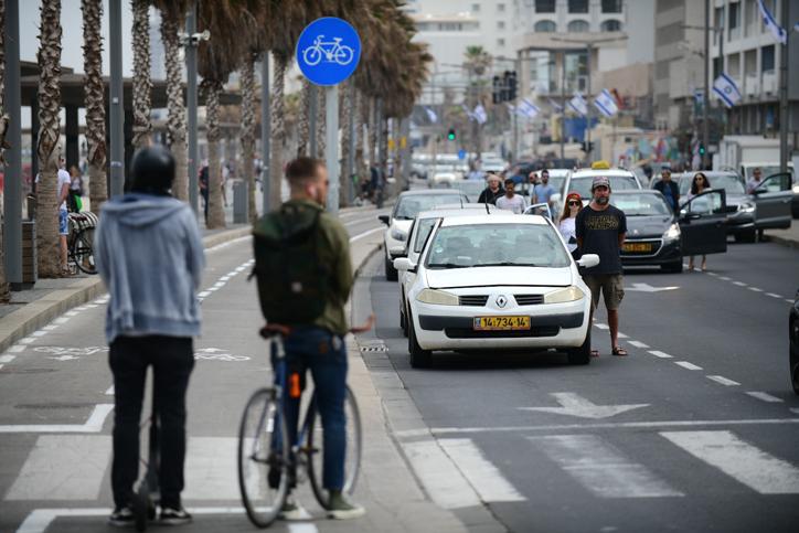 הטיילת בתל אביב (צילום: תומר נויברג\פלאש 90)