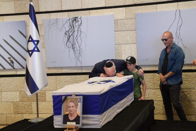 """לוויה נחמה ריבלין צילום: עמוס בן גרשום /לע""""מ"""